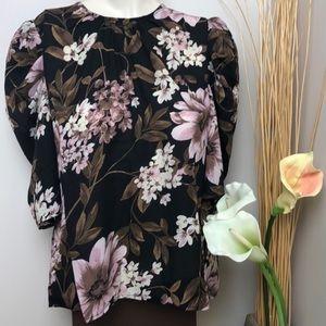 NWT WAYF Black Floral Puff Sleeve Short Sleeve Top